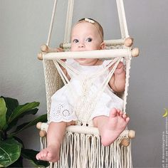 Baby-Schaukel aus Makramee