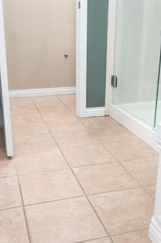 Make your tiled floor look brand new again! This tutorial has the easiest tips and tricks to paint your tile grout with just a few simple steps. Avoid the hassle of cleaning your dirty grout lines and find the best paint products to freshen up your grout. Grout Paint, Sanded Grout, Tile Grout, Tub Shower Combo, Shower Tub, Grout Repair, Easy Tile, Painting Tile Floors