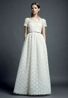 17 Best Gowns I Love images  7dd8c81eca52