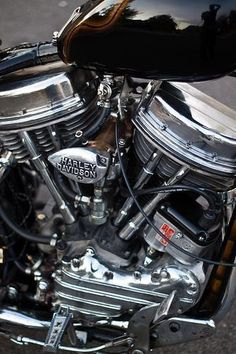Harley Davidson News – Harley Davidson Bike Pics Harley Davidson Panhead, Harley Davidson Engines, Harley Davidson Custom Bike, Harley Bobber, Classic Harley Davidson, Harley Bikes, Old School Motorcycles, Hd Motorcycles, Antique Motorcycles