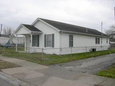 418 Center Street  $37,500  |  Sold By: Farmer's House Real Estate, LLC