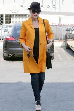 Gwen Stefani enceinte avec un manteau jaune en 2014 - Enceinte, Kerry Washington ose le crop top sur tapis rouge - L'EXPRESS#content_diapo