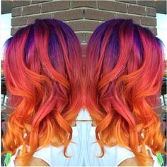 Sunset Hair Is The Latest Hair Trend And It& Absolutely Beautiful - Hot Moms Club Beautiful Hair Color, Cool Hair Color, Hair Colors, Funky Hairstyles, Pretty Hairstyles, Sunset Hair, Latest Hair Trends, Mermaid Hair, Hair Dos