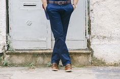 Camisa: Tommy Hilfiger/ Calça: Zara/ Cinto: Michael Kors/ Meia: River Island/ Sapato: Raphael Steffens/ Óculos: Prada/ Relógio: Disney/ Bolsa: The Cambridge Satchel Company