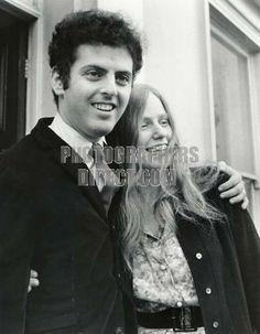 DU PRE , Jacqueline & BARENBOIM , Daniel c 1967 outside Abbey Road studio English cellist , 1945 1987 Israeli pianist & conductor b 1942 sto...