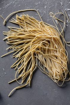 William-Sonoma's Guide to Making Fresh Pasta: by machine and by hand