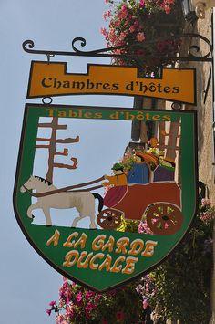 ~Chambres d'Hotes - A La Garde Ducale~