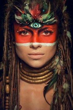 Tribal princess makeup and costume for Halloween. Maquillage Halloween, Halloween Makeup, Halloween Halloween, Halloween Costumes, Dreaming Is Believing, Tribal Makeup, Mädchen In Bikinis, Native American Women, Native American Makeup