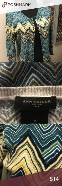 Ann Taylor rich hued cardigan M Gorgeous, rich hues in this perfec little cardi from Ann Taylor. Fall favorites with shades of teal and olive, with a hint of buttery gold. 100% cotton, light enough to layer well. Excellent condition, smoke free. 24 long, underarm to underarm 18.5 Ann Taylor Sweaters Cardigans