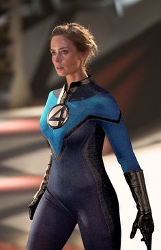 Emily Blunt as the MCU Susan Storm/Invisible Woman Marvel Girls, Comics Girls, Marvel Vs, Marvel Heroes, Marvel Comic Character, Marvel Movies, Emily Blunt Body, Live Action, Superhero Memes