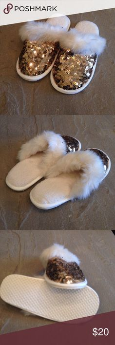 ⚜Kids Slippers⚜ New, pottery barn kids, gold slippers. pottery barn teen Shoes Slippers