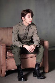Haikyuu Wallpaper, Woollim Entertainment, Korean Boy Bands, Music People, Golden Child, Korean Music, Kpop Boy, K Idols, Jaehyun