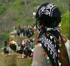 Beautiful Kurdish Headwear. Beautiful Girl Photo, Beautiful Hijab, Beautiful Asian Girls, Beautiful Children, Stylish Girls Photos, Stylish Girl Pic, Girl Photos, Miss You Images, Iran Pictures