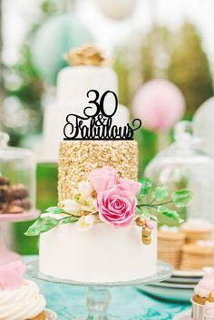 Original 30 and Fabulous 30th Birthday Cake por ThePinkOwlGifts