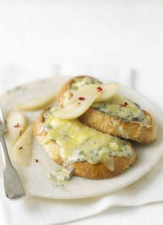 We love the combination of stilton, port and pears and this recipe takes it to the next level. This posh version of cheese on toast makes a great quick vegetarian lunch or simple starter.