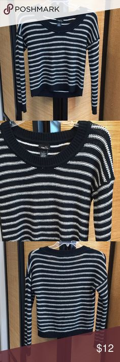 Rue 21 Sweater Black/white striped sweater. Excellent condition Rue 21 Sweaters
