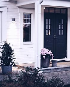 Outdoor Living, Outdoor Decor, Little Houses, New England, Luxury Homes, Entrance, Diy Home Decor, Sweet Home, Exterior