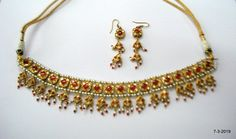 Vintage Gold Jewelry Kundan Polky choker necklace with earrings Gold Chain Design, Gold Jewellery Design, Gold Jewelry, Mughal Jewelry, Jewelry Bracelets, Buy Earrings, Indian Wedding Jewelry, Latest Jewellery, Stylish Jewelry