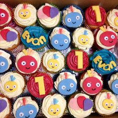Twirly woos 1st Birthday Parties, Birthday Cakes, 2nd Birthday, Twirlywoos Cake, Frosting, Icing, Different Cakes, Peppa Pig, Cup Cakes