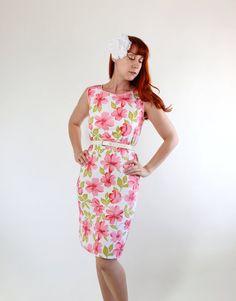 SaleVintage 1960s White Pink Floral Shift Dress. by gogovintage, $28.00
