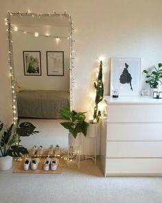 Cute Bedroom Ideas, Cute Room Decor, Room Ideas Bedroom, Bedroom Decor, First Apartment Decorating, Room Design Bedroom, Aesthetic Room Decor, Cozy Room, Fashion Room