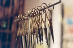 lots of scissors, ready for new projects Passion Photography, Embroidery Scissors, Hair Quotes, Find Objects, Salon Design, Barber Shop, Rock Art, Getting Organized, Sewing Crafts
