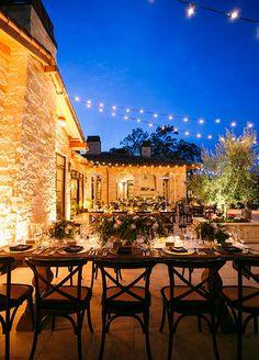 Die Villa in der Toskana …. am Weinberg – Wedding inspiration – Wedding Tuscan Wedding, Wedding Dinner, Italy Wedding, Wedding Bells, Elegant Wedding, Wedding Reception, Wedding Venues, Dream Wedding, Perfect Wedding