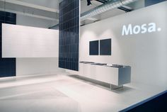 Beautiful Royal Mosa stand At Superbrands 2012 in London by Zeeprojects. Trade Show Booth Design, Stand Design, Beauty Exhibition, Konica Minolta, Exhibition Display, Wayfinding Signage, Retail Design, Modern Design, Composition