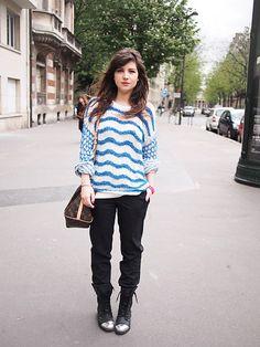 Pull : Kenzo  Pantalon : Paul Smith  Boots : Office  Sac : Louis Vuitton Speedy bandoulière