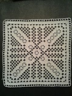 Crochet Doily Patterns, Crochet Doilies, Knit Crochet, Lacemaking, Crochet Tablecloth, Needle Lace, Beaded Embroidery, Hand Stitching, Diy And Crafts