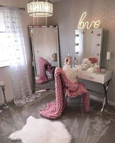 24 Ideas Makeup Table Ideas Beauty Room Vanity Mirrors For 2019 My New Room, My Room, Room Art, Dressing Room Decor, Dressing Tables, Dressing Mirror, Dressing Table Light Up Mirror, Corner Dressing Table, Dressing Table Modern