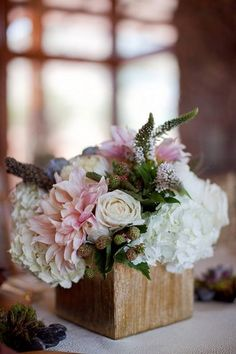 wooden boxes for centerpieces / http://www.himisspuff.com/wooden-box-wedding-decor-centerpieces/15/