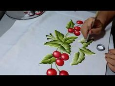 Watercolor Flowers Tutorial, Acrylic Painting Flowers, Acrylic Pouring Art, Acrylic Painting Techniques, Painting Videos, Silk Painting, Fabric Painting On Clothes, Painted Clothes, Fabric Paint Designs