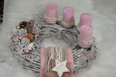 Beautiful large white wreath made of willow, with a pine cone and star arrangement, felt ribbons and a cord. Four high-quality marbled pillar candles . Advent Wreath Candles, Christmas Advent Wreath, Christmas Candle Decorations, Christmas Candles, Christmas Time, Christmas Crafts, Burlap Wreath Tutorial, Diy Wreath, Best Candles
