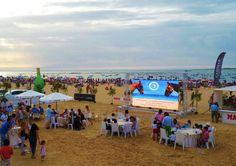 El #ambiente del 2°día #carreras #sanlucardebarrameda #ilovehorses #tecnología #beach #verano2015 #innovation #led #pantalla #evento