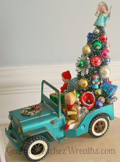 https://flic.kr/p/zXow4L | Kitschy Christmas Creations | www.georgiapeachezwreaths.com