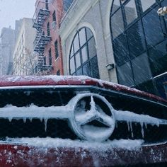 The Silver Star endures the recent snow in New York. Mercedes Benz 4MATIC