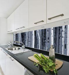 välitila valokuvatapetti lasi www.myshot.fi Kitchen Dining, Kitchen Cabinets, Photo Mural, Backsplash, Home Kitchens, House Design, Murals, Kitchen Ideas, Scenery
