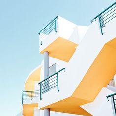 Minimalist Architecture Photography by Matthias Heiderich.