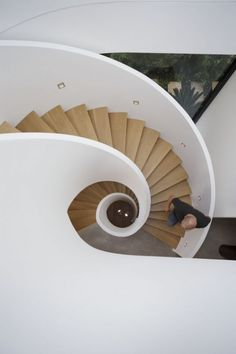 Pirates Bay House / O'Connor and Houle Architecture Hewlett Street House / MPR Design Group Shearers Quarters House / John Wardle Architects. Stairs And Staircase, Take The Stairs, Grand Staircase, Staircase Design, Spiral Staircases, White Stairs, White Walls, Creative Architecture, Amazing Architecture