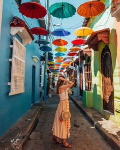 Best Things To Do In Cartagena de Indias, Colombia - That Life Abroad Trip To Colombia, Colombia Travel, Nature Photography Tips, Ocean Photography, Portrait Photography, Wedding Photography, Latin America, South America, Umbrella Street