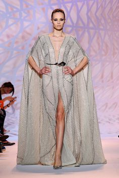 Couture F/W 2014-15 Zuhair Murad See all fashion show at: http://www.bookmoda.com/?p=22295 #hautecouture #fall #winter #FW #2014 #2015 #catwalk #fashionshow #womanswear #woman #fashion #style #look #collection #paris #zuhairmurad