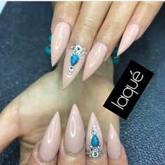 Nude stiletto nails never go out. Check out our freshest collection of nail art with nude nail polish shades to get inspired. Gold Nail Designs, Winter Nail Designs, Halloween Nail Designs, Beautiful Nail Designs, Gold Nails, Nude Nails, Stiletto Nails, Matte Nails, Pink Nails
