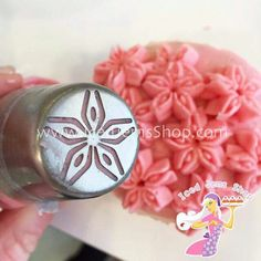 A new addition to our extremely popular Instant Flower Nozzles, the Star Anise… Cupcake Piping, Piping Icing, Cake Icing, Cupcake Cakes, Piping Tips, Piping Bag, Russian Cake Decorating Tips, Cake Decorating Techniques, Cake Decorating Tutorials