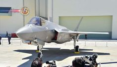 Primeiro F-35 montado no Japão é apresentado ao público. A próxima geração de aeronave de combate do Japão, o caça furtivo F-35, foi mostrada ao público.