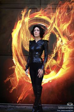 Amazing Katniss Everdeen cosplay from the Hunger Games - 10 Katniss Cosplays