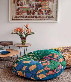 Futon Company Chair futon sofa home furniture.Modern Futon Small Spaces futon sofa home furniture. Futon Chair, Futon Mattress, Daybed, Leather Futon, Futon Bedroom, Modern Futon, Do It Yourself Baby, Pillows, Apartments Decorating