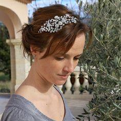 #Fascinator Sevilla van Rainbow Club voor de #bruid #bruid #bruidskapsel #weddinghair #bride / www.witenzilver.nl
