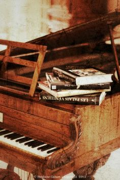 Have you got an old, unused piano sitting in your home? Our Piano Teachers Brisbane can help you build the confidence to open that dusty lid and play with passion again.   http://www.brisbanemusicstudio.com.au/