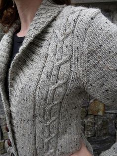 Ravelry: Autumn Morning Cardigan pattern by Danielle Chalson - Super knitting Sweater Knitting Patterns, Cardigan Pattern, Knitting Designs, Crochet Patterns, Knitting Sweaters, Knitting Ideas, Knitting Projects, Baby Knitting, Shawl Collar Cardigan
